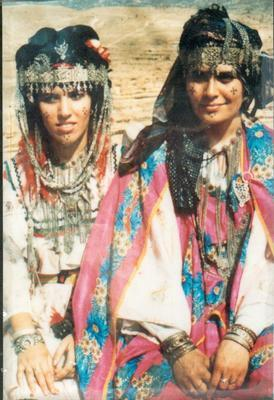 Femmes berberes chaouia algerie for Decoration yennayer